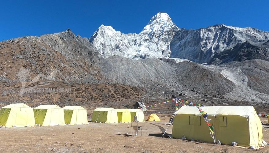 ama dablam climbing nepal