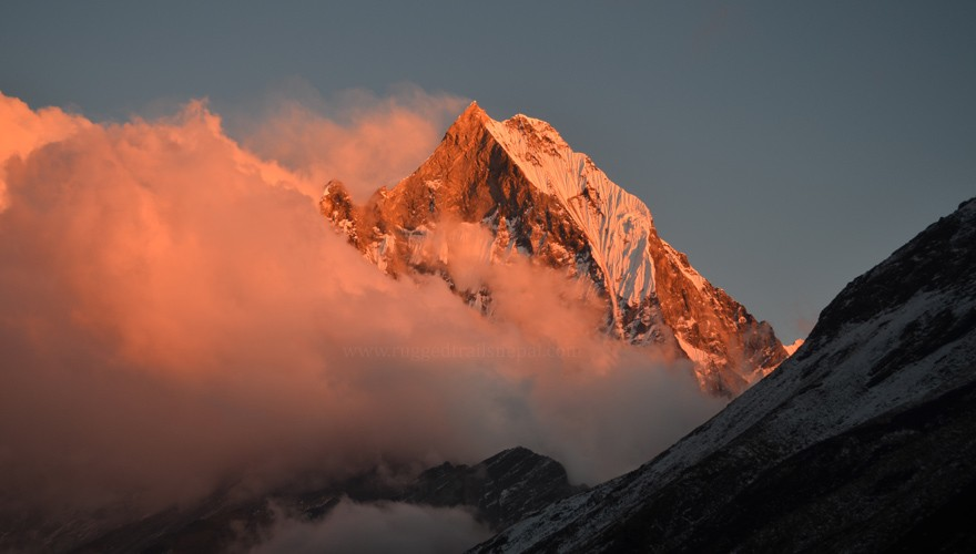 annapurna base camp trek fishtail