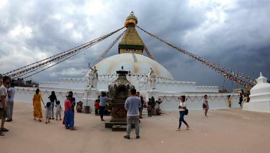 makalu trek from nepal