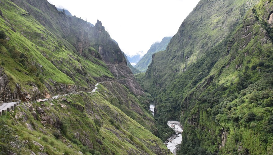 manaslu circuit tsum valley trek nepal