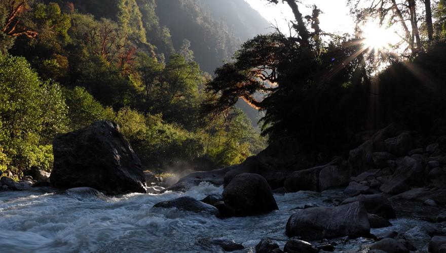 nepal trek route langtang valley