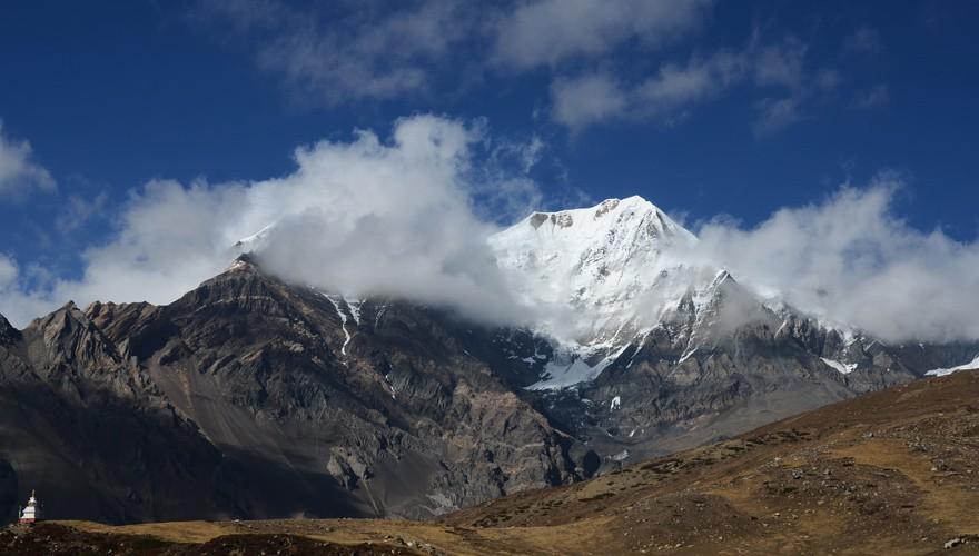 peak climbing nepal pisang peak