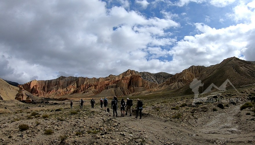 upper mustang yoga trek