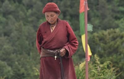 manaslu tsum valley trekking