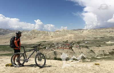 mountain biking in nepal mustang